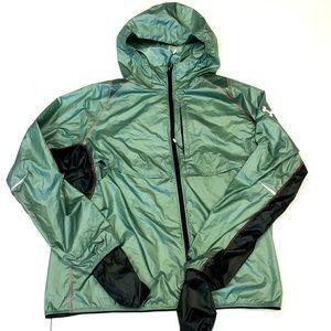 Under Armour water resistant trail jacket men XL